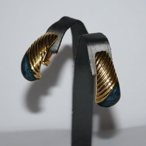 Beautiful gold and blue vintage earrings